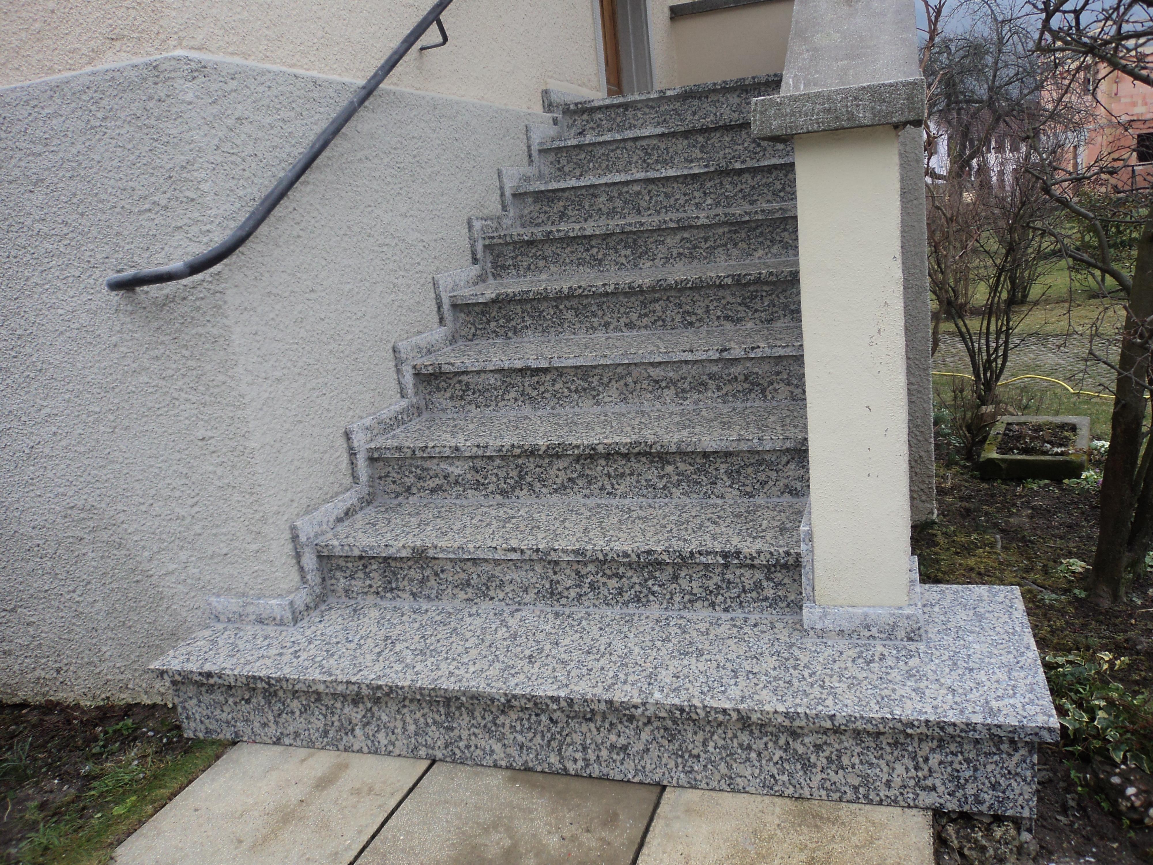 Escalier extérieur granit dans le secteur d'Altkirch