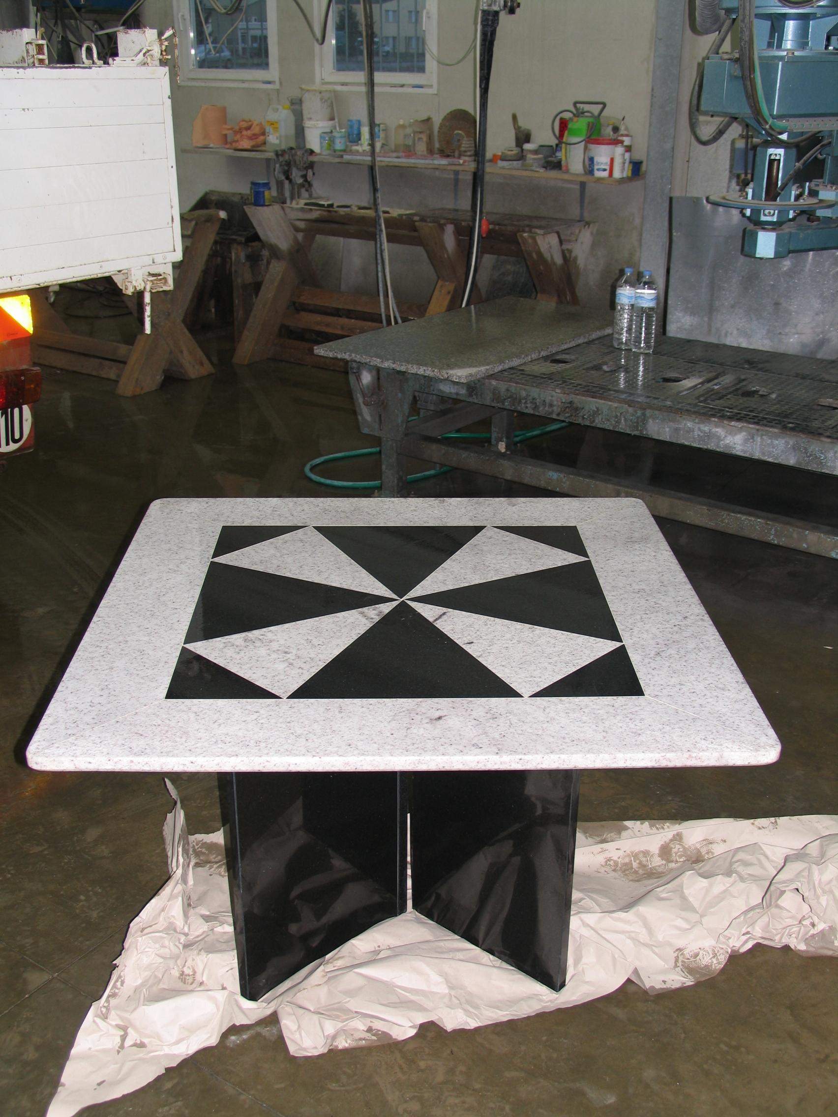 Table granit