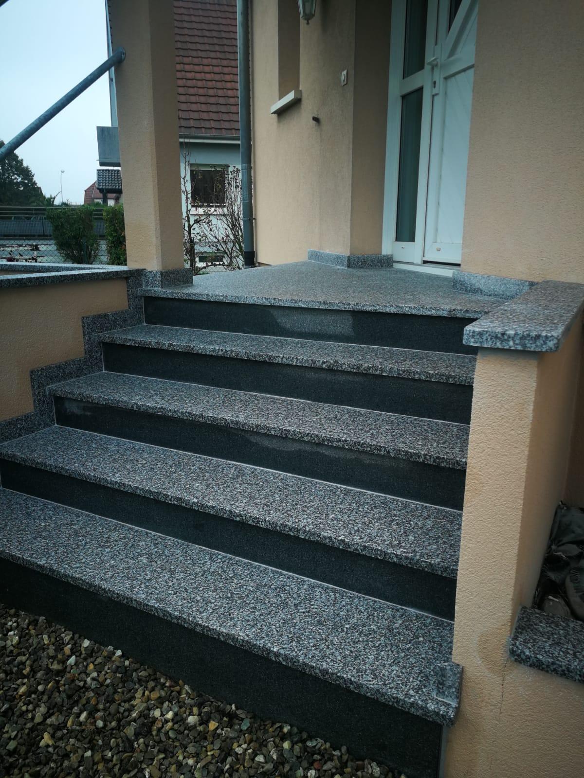 escalier granit deux couleurs